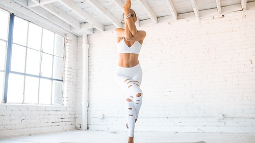 Yoga - L'équilibre de l'aigle
